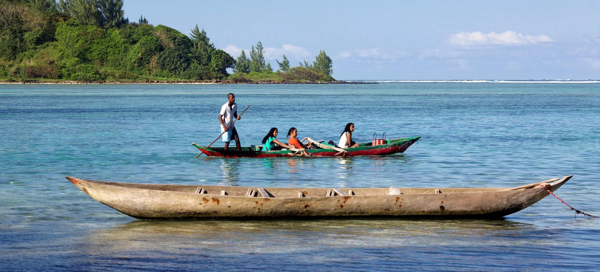 Madagascar Est Pirogue traditionnelle