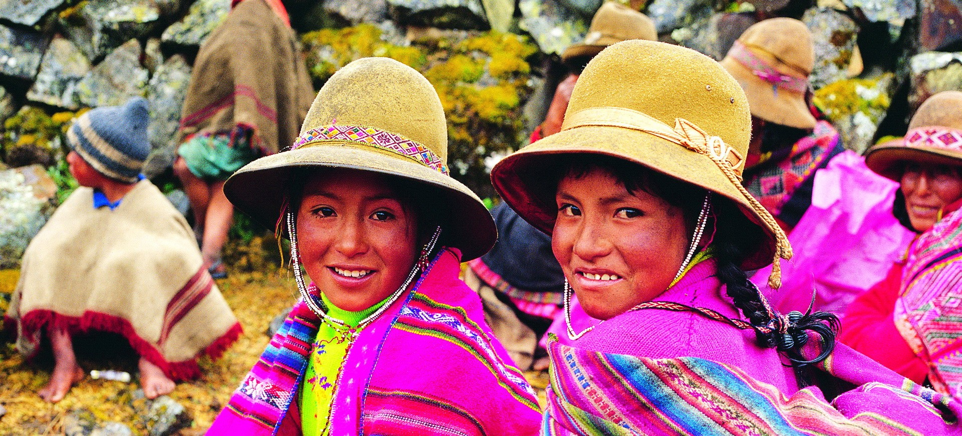 Pérou Cuzco Enfants en habits traditionnels