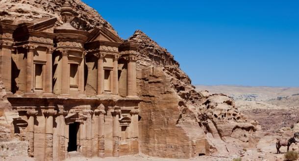 Petra, la magnifique et majestueuse Cité Rose des Nabatéens en Jordanie